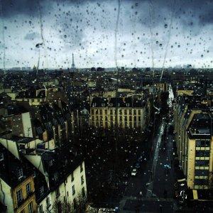 Rainy_Paris_by_deadst4r